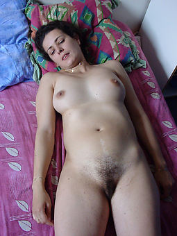 hairy amateur nudes