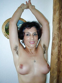 hairy armpit females