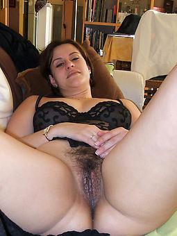 hairy nude milf xxx pics