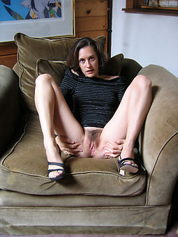 xxx hairy brunette pussy