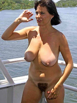 Brunette Hairy Pussy Pics