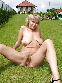 muted pussy outdoors truth or dare pics