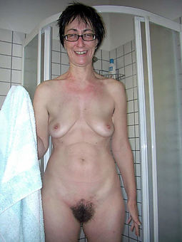 hairy mature only porn pic