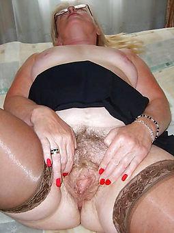 pretty granny hairy ass