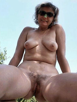 sexy hairy pussy outdoors
