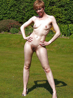skinny women with hairy pussy stripping