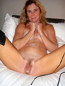 pretty hairy comme ci pussy photos