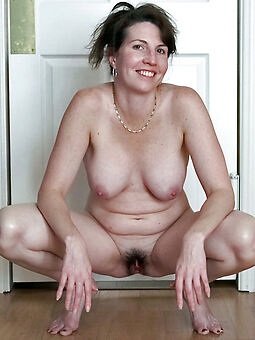 xxx housewife soft pussy gallery