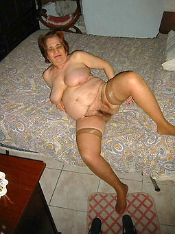 hairy british grannies displaying her pussy