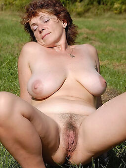 amateur hairy and big tits tease