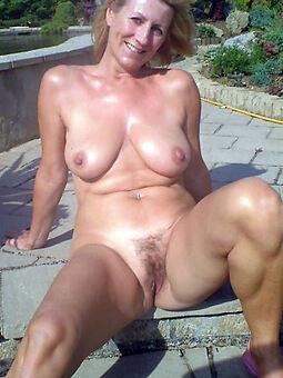 sexy nude gradual girls outdoors stripping