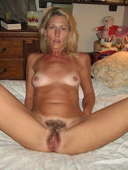 unshaved girls Bohemian porn pics