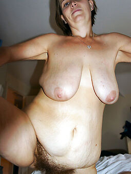 nice fat hairy pussy unconcealed