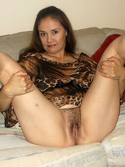 ladies with hairy pussies truth or dare pics