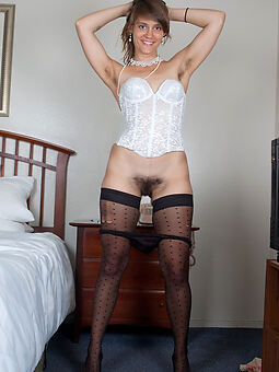 hairy pussy plus stockings amature dealings pics