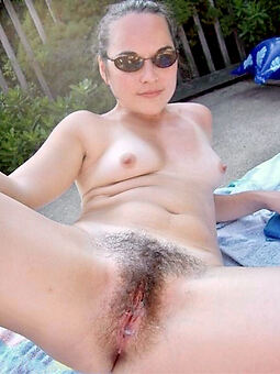 porn pictures be incumbent on sexy hairy outdoor pussy