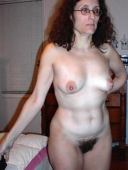unambiguous hairy housewife pussy Bohemian porn pics