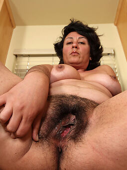 extremely hairy women nudes tumblr