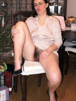 hairy housewife pussy actuality or dare pics