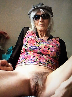amature naked hairy grannies