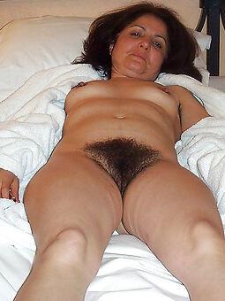 hairy mature grannies free porn pics