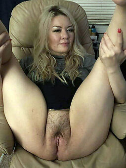 pretty hairy cunt fucking