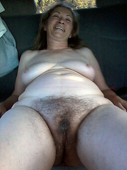 hairy granny pussy porn pic