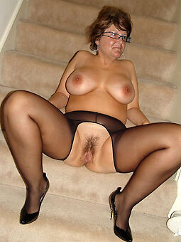 amateur sexy hairy pussies free porn pics