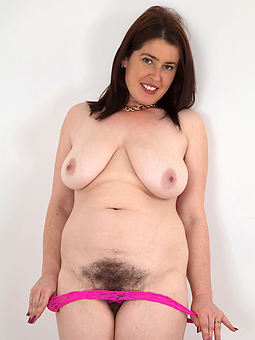 natural fat hairy pussy girls