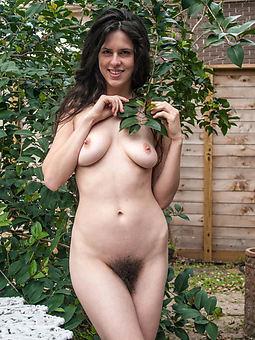 hot mom perishable porn pics