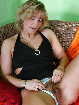 ladies hairy amature sex pics