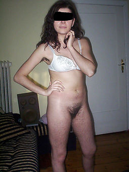 womens puristic trotters down in the mouth nude pics