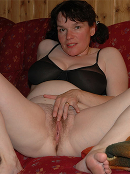 curvy hairy bush masturbation
