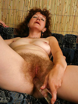 pretty hairy amateurs masturbating