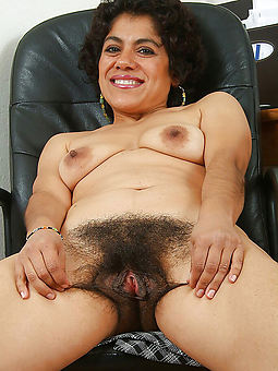 monster hairy bush truth or dare pics