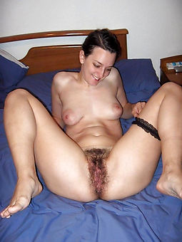 hairy cunt wife strip