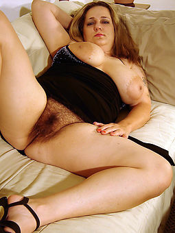 na�ve join in matrimony showing hairy pussy