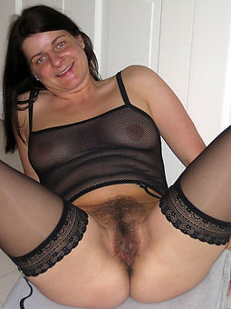 curvy hairy pussy nylons