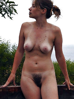 hairy nude mom photos