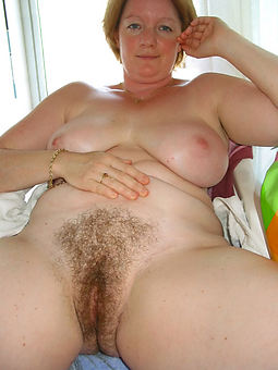 superb moms hairy hole