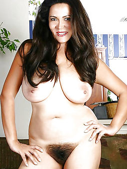 wild hairy moms gallery