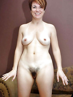 hairy hot mummy porno