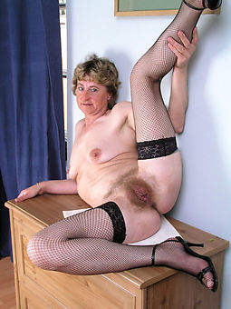 pretty old hairy pussy gallery