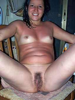 free hairy pussy small tits porn pic