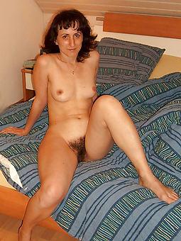 snug hairy tits porno