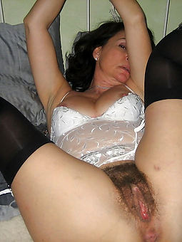 juggs woman not far from hairy vagina