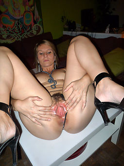 hairy and wet pussy xxx pics