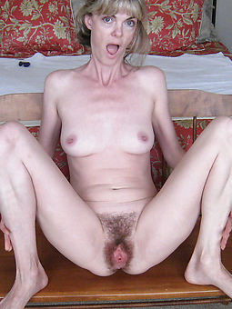 natural big pussy lips hairy