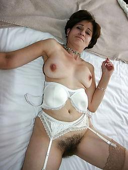 matured women hairy pussies