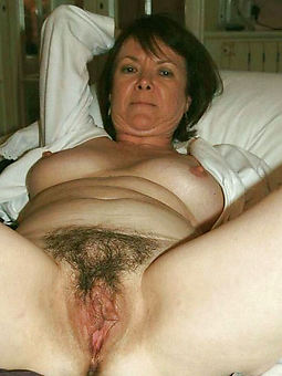 porn pictures of mature hairy wet pussy